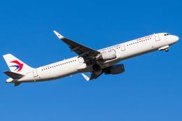 Yukio a.k.a Yu Worksさんが、福岡空港で撮影した中国東方航空 A321-211の航空フォト(飛行機 写真・画像)