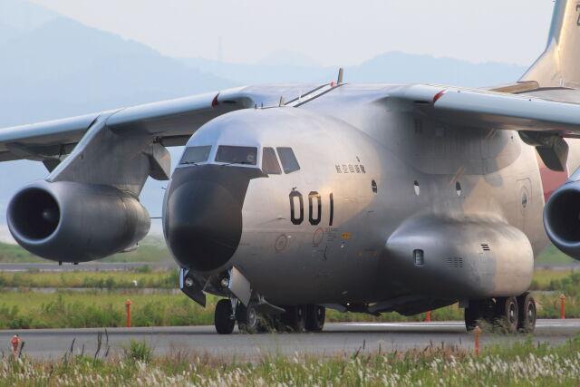 CYGNUS_20-1101さんが、米子空港で撮影した航空自衛隊 C-1FTBの航空フォト(飛行機 写真・画像)
