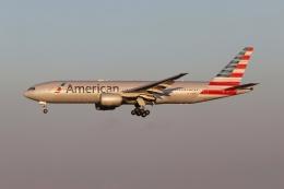 磐城さんが、成田国際空港で撮影したアメリカン航空 777-223/ERの航空フォト(飛行機 写真・画像)