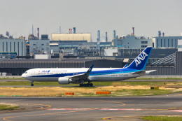 naogooさんが、羽田空港で撮影した全日空 767-381/ERの航空フォト(飛行機 写真・画像)