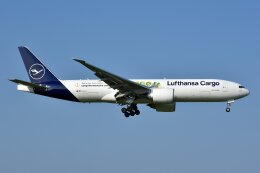 islandsさんが、成田国際空港で撮影したルフトハンザ・カーゴ 777-Fの航空フォト(飛行機 写真・画像)