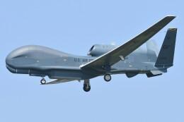 デルタおA330さんが、横田基地で撮影したアメリカ空軍 RQ-4B-40 Global Hawkの航空フォト(飛行機 写真・画像)