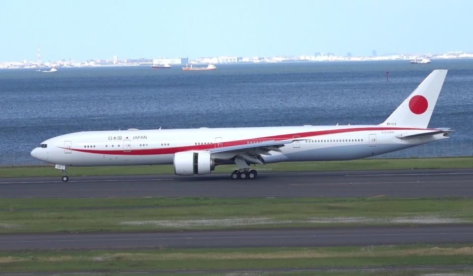 taka1129さんの航空自衛隊 Boeing 777-300 (80-1112) 航空フォト
