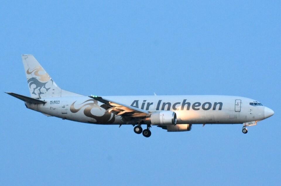 M.Tさんのエア・インチョン Boeing 737-400 (HL8271) 航空フォト