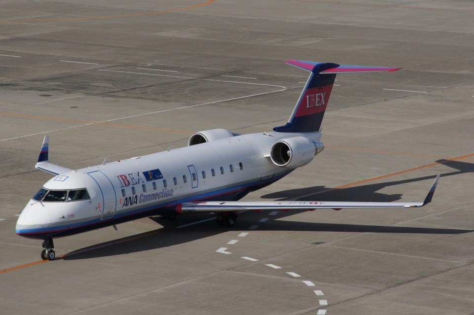 磐城さんのアイベックスエアラインズ Bombardier CRJ-100 (JA02RJ) 航空フォト