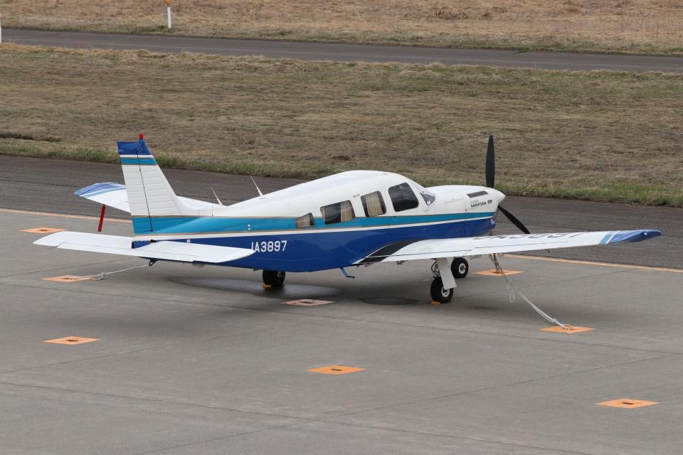 磐城さんの日本個人所有 Piper PA-32 Cherokee Six (JA3897) 航空フォト