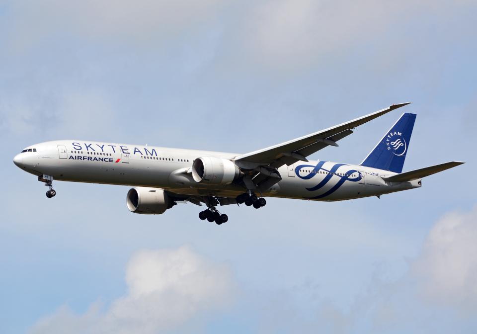NINEJETSさんのエールフランス航空 Boeing 777-300 (F-GZNE) 航空フォト