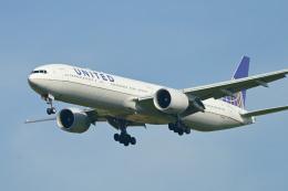 パンダさんが、成田国際空港で撮影したユナイテッド航空 777-322/ERの航空フォト(飛行機 写真・画像)