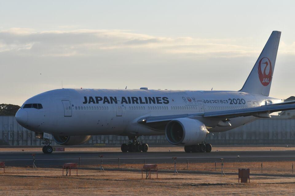天心さんの日本航空 Boeing 777-200 (JA773J) 航空フォト
