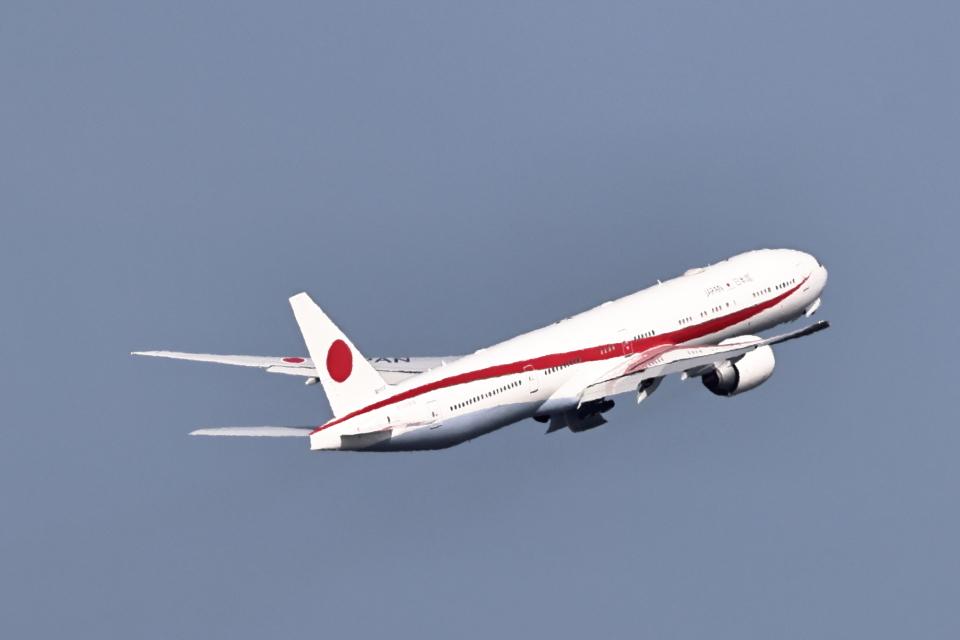 juntamiさんの航空自衛隊 Boeing 777-300 (80-1112) 航空フォト