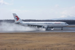 磐城さんが、新千歳空港で撮影した中国東方航空 A330-243の航空フォト(飛行機 写真・画像)