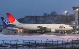 プルシアンブルーさんが、秋田空港で撮影した日本航空 A300B4-622Rの航空フォト(飛行機 写真・画像)