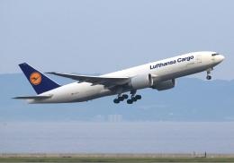 LOTUSさんが、関西国際空港で撮影したルフトハンザ・カーゴ 777-FBTの航空フォト(飛行機 写真・画像)
