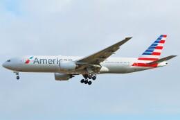 ちっとろむさんが、ロンドン・ヒースロー空港で撮影したアメリカン航空 777-223/ERの航空フォト(飛行機 写真・画像)