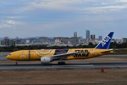 天心さんが、伊丹空港で撮影した全日空 777-281/ERの航空フォト(飛行機 写真・画像)