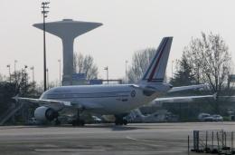 TA27さんが、パリ シャルル・ド・ゴール国際空港で撮影したフランス空軍 A310-304の航空フォト(飛行機 写真・画像)