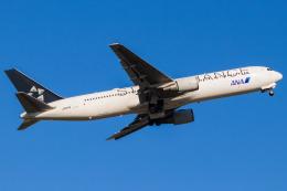 Yukio a.k.a Yu Worksさんが、福岡空港で撮影した全日空 767-381/ERの航空フォト(飛行機 写真・画像)