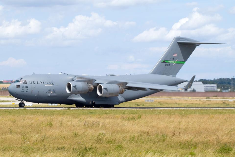 chrisshoさんのアメリカ空軍 Boeing C-17 (10-0216) 航空フォト