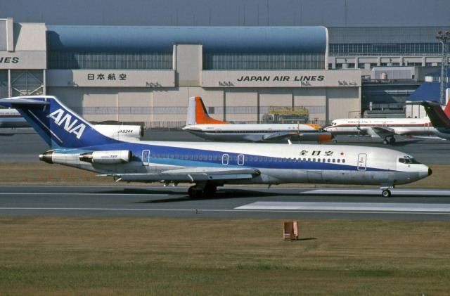 Gambardierさんが、羽田空港で撮影した全日空 727-281の航空フォト(飛行機 写真・画像)