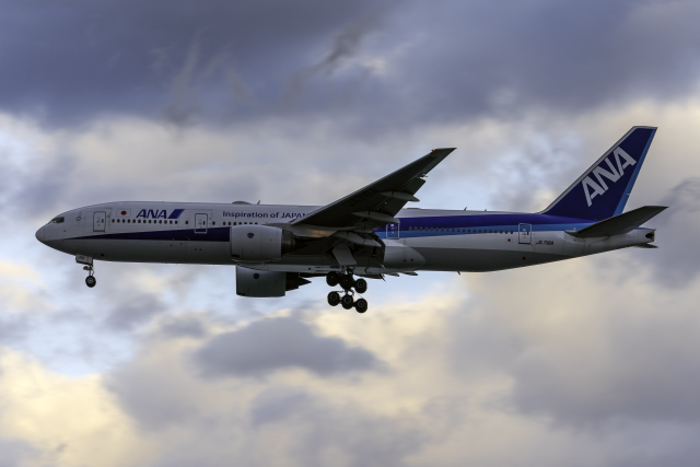 K.Sさんが、羽田空港で撮影した全日空 777-281/ERの航空フォト(飛行機 写真・画像)