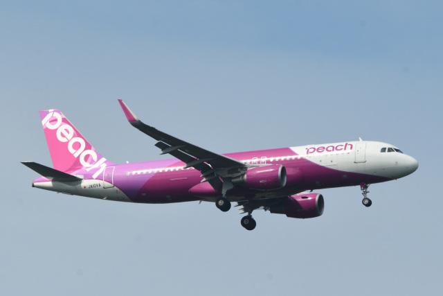 rangeroverさんが、成田国際空港で撮影したピーチ A320-214の航空フォト(飛行機 写真・画像)