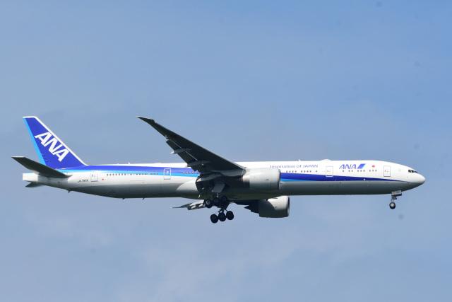 rangeroverさんが、成田国際空港で撮影した全日空 777-381/ERの航空フォト(飛行機 写真・画像)