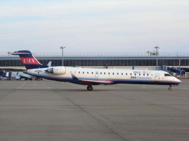 White Pelicanさんが、中部国際空港で撮影したアイベックスエアラインズ CL-600-2C10 Regional Jet CRJ-702ERの航空フォト(飛行機 写真・画像)