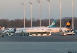 TA27さんが、ミュンヘン・フランツヨーゼフシュトラウス空港で撮影したルフトハンザ・シティライン ERJ-190-200 LR (ERJ-195LR)の航空フォト(飛行機 写真・画像)