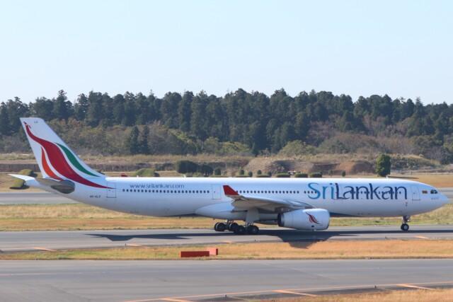 walker2000さんが、成田国際空港で撮影したスリランカ航空 A330-343Xの航空フォト(飛行機 写真・画像)