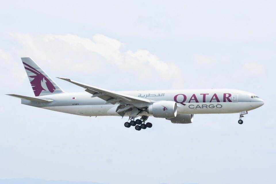 M.Tさんのカタール航空カーゴ Boeing 777-200 (A7-BFX) 航空フォト