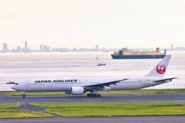 Hiro Satoさんが、羽田空港で撮影した日本航空 777-346の航空フォト(飛行機 写真・画像)