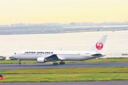 Hiro Satoさんが、羽田空港で撮影した日本航空 767-346の航空フォト(飛行機 写真・画像)