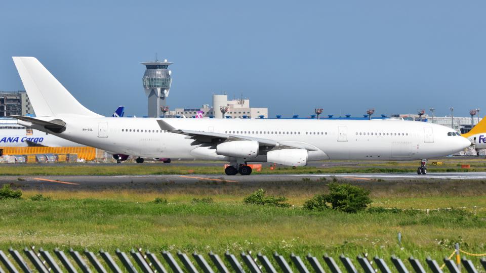 saoya_saodakeさんのハイ・フライ・マルタ Airbus A340-300 (9H-SOL) 航空フォト