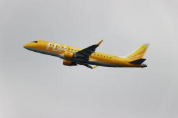 latchさんが、伊丹空港で撮影したフジドリームエアラインズ ERJ-170-200 (ERJ-175STD)の航空フォト(飛行機 写真・画像)
