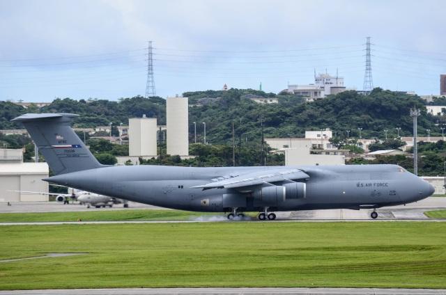 chindamisuruyooさんが、嘉手納飛行場で撮影したアメリカ空軍 C-5M Super Galaxyの航空フォト(飛行機 写真・画像)