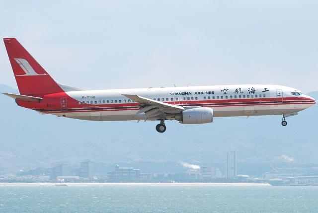 jun☆さんが、関西国際空港で撮影した上海航空 737-8Q8の航空フォト(飛行機 写真・画像)