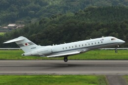 デデゴンさんが、石見空港で撮影した国土交通省 航空局 BD-700-1A10 Global Expressの航空フォト(飛行機 写真・画像)
