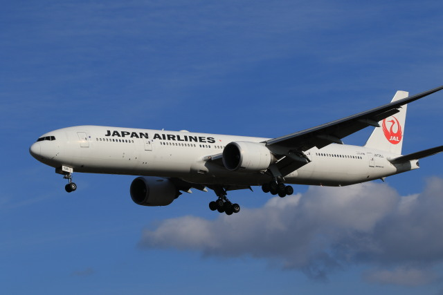 rokko2000さんが、成田国際空港で撮影した日本航空 777-346/ERの航空フォト(飛行機 写真・画像)