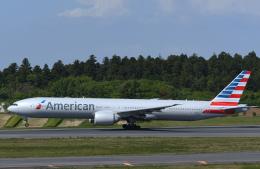 チャーリーマイクさんが、成田国際空港で撮影したアメリカン航空 777-323/ERの航空フォト(飛行機 写真・画像)
