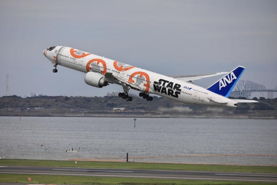 mahiちゃんさんの全日空 Boeing 777-300 (JA789A) 航空フォト
