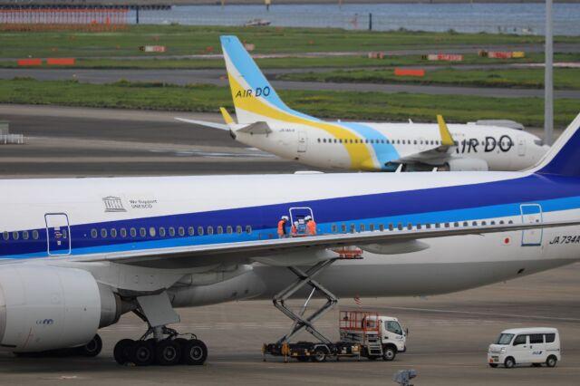 mahiちゃんさんが、羽田空港で撮影した全日空 777-381/ERの航空フォト(飛行機 写真・画像)