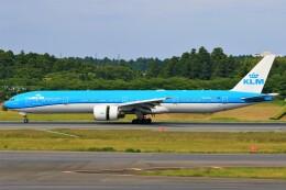みるぽんたさんが、成田国際空港で撮影したKLMオランダ航空 777-306/ERの航空フォト(飛行機 写真・画像)