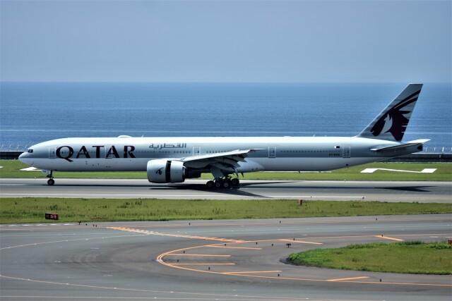 MSN/PFさんが、中部国際空港で撮影したカタール航空 777-3DZ/ERの航空フォト(飛行機 写真・画像)