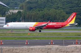 (新)ふぁんとむ改さんが、福岡空港で撮影したベトジェットエア A321-271Nの航空フォト(飛行機 写真・画像)