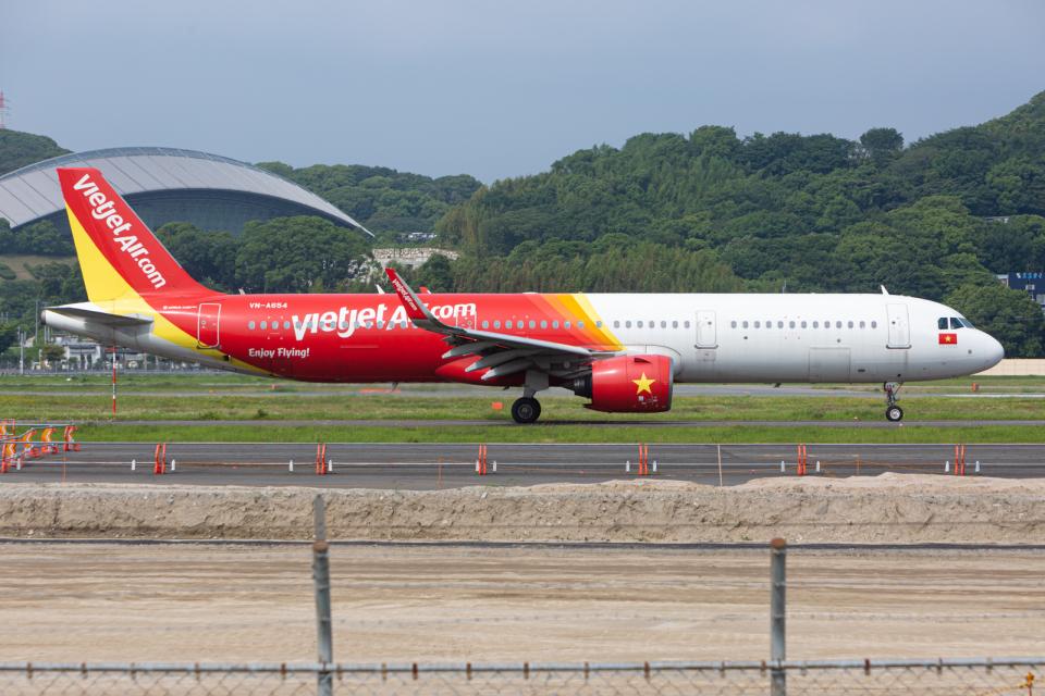 (新)ふぁんとむ改さんのベトジェットエア Airbus A321neo (VN-A654) 航空フォト