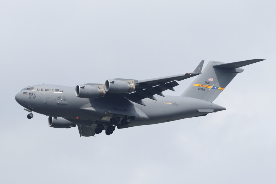 mogusaenさんのアメリカ空軍 Boeing C-17 (08-8190) 航空フォト