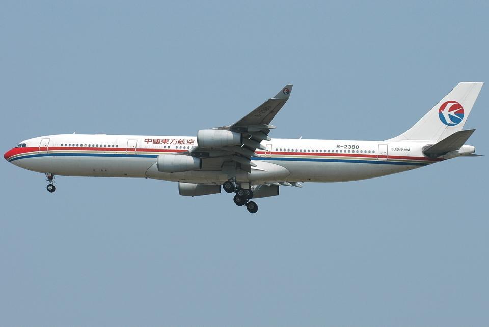 jun☆さんの中国東方航空 Airbus A340-300 (B-2380) 航空フォト