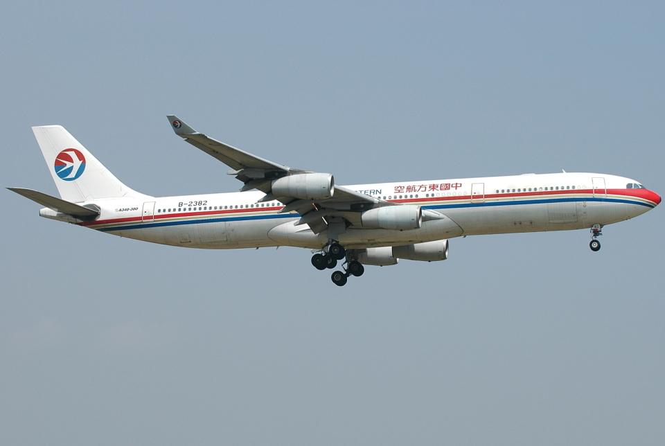 jun☆さんの中国東方航空 Airbus A340-300 (B-2382) 航空フォト