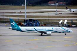 まいけるさんが、ミュンヘン・フランツヨーゼフシュトラウス空港で撮影したエア・ドロミティ ERJ-190-200 LR (ERJ-195LR)の航空フォト(飛行機 写真・画像)