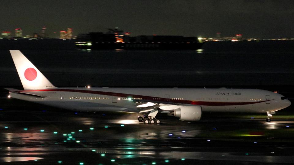 誘喜さんの航空自衛隊 Boeing 777-300 (80-1111) 航空フォト